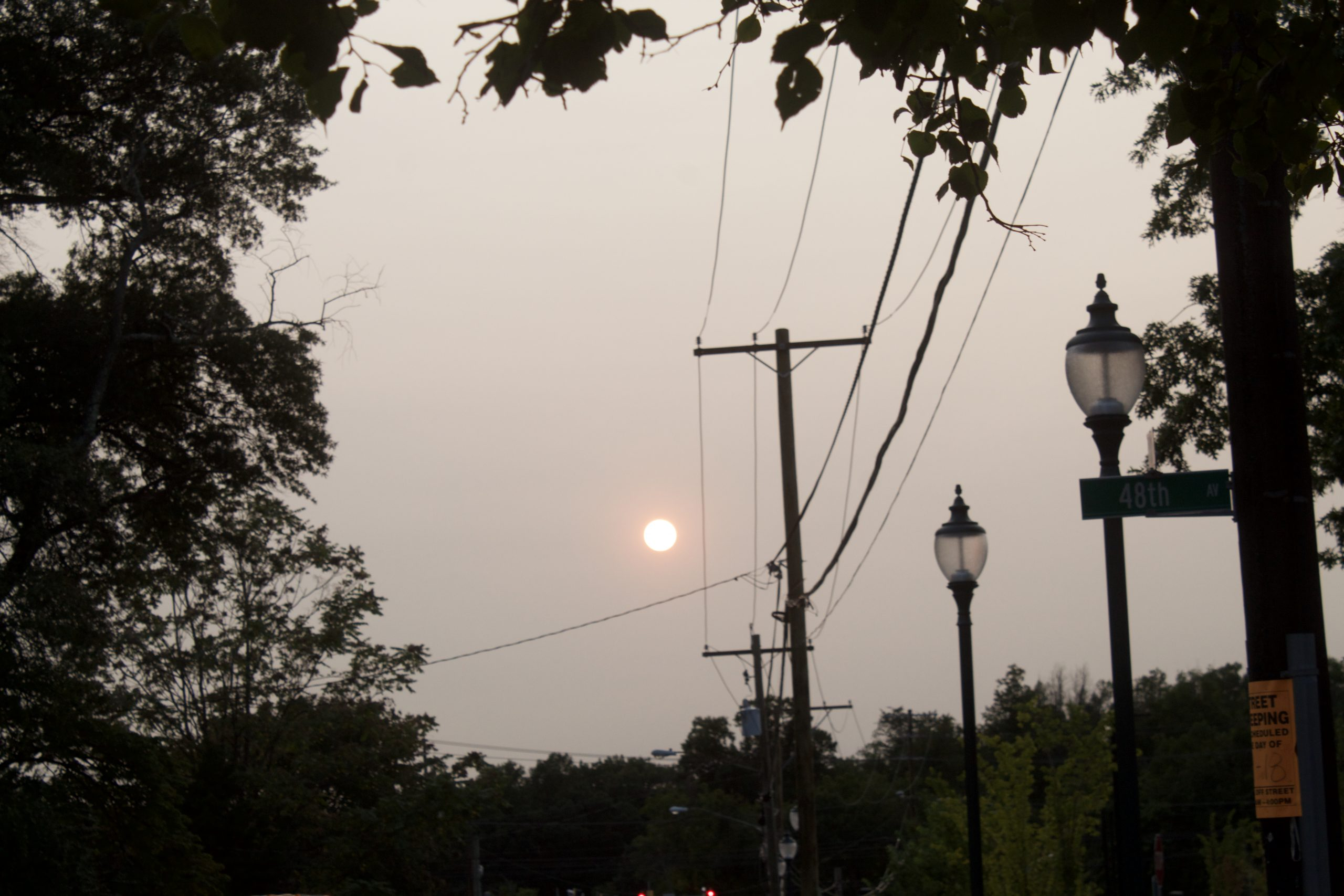 WASHINGTON D.C., The sun was obscured by smoke from the West Coast Tuesday evening in the D.C. area. Capital News Service Photo by Aneurin Canham-Clyne